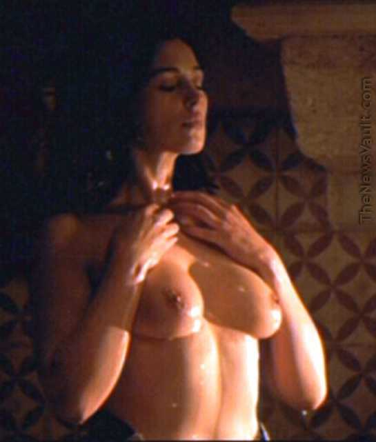 Monica Bellucci Sex Scenes In Combien Tu Maimes